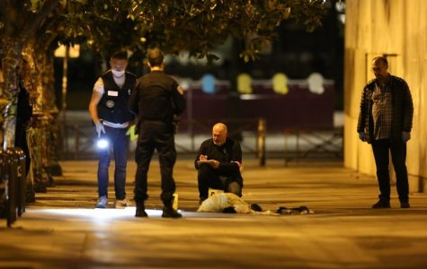 Seven stabbed, four injured in Paris Knife Attack.