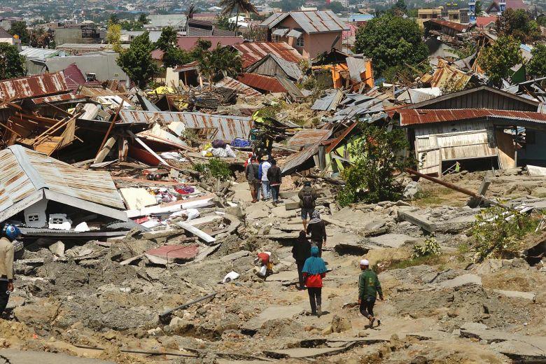 7.5 Earthquake and Tsunami hits Sulawesi, Indonesia.