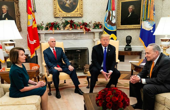 President+Donald+Trump%2C+Vice+President+Mike+Pence%2C+and+Democratic+congressional+officials+Nancy+Pelosi+and+Chuck+Schumer+meet+to+discuss+border+security.+