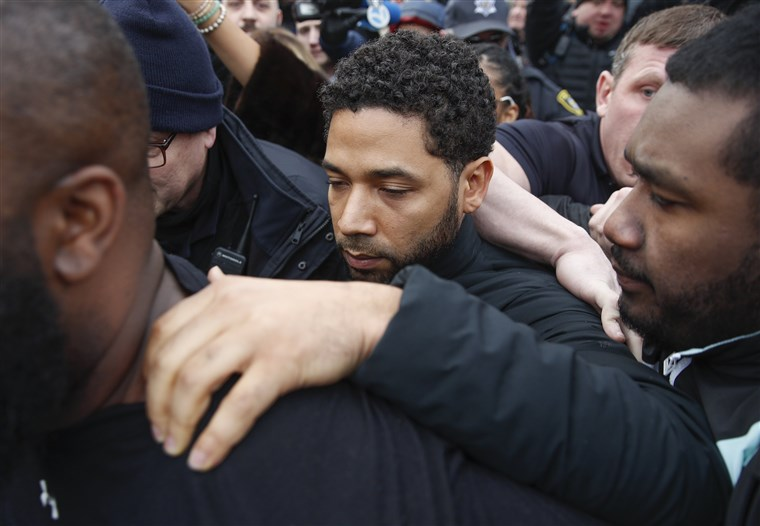 Empire%22+actor+Jussie+Smollett+leaves+Cook+County+jail+following+his+release%2C+in+Chicago+on+Feb.+21%2C+2019.