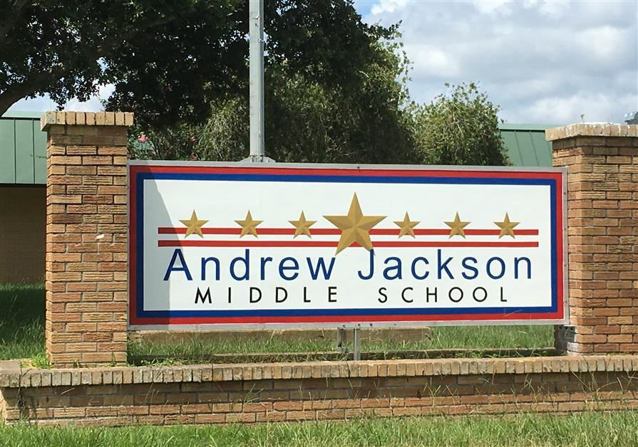 Andrew+Jackson+Middle+School%E2%80%99s+campus+sign.