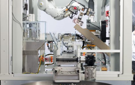 Apple's disassembly robot Daisy, which recycles metals from Apple devices.