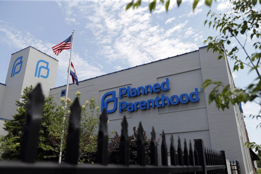 Planned Parenthood Withdraws from Federal Funding