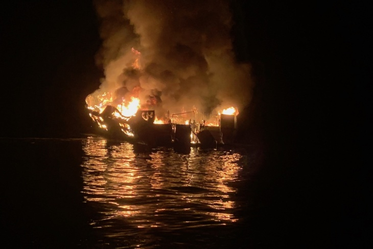 34+Killed+in+a+Dive+Boat+Fire
